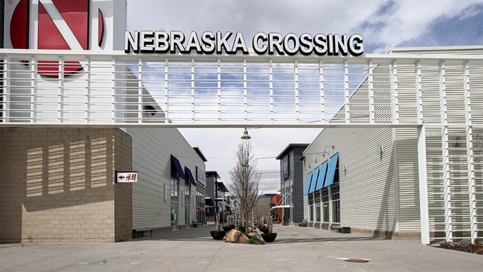 Nebraska mall plans to reopen amid coronavirus pandemic