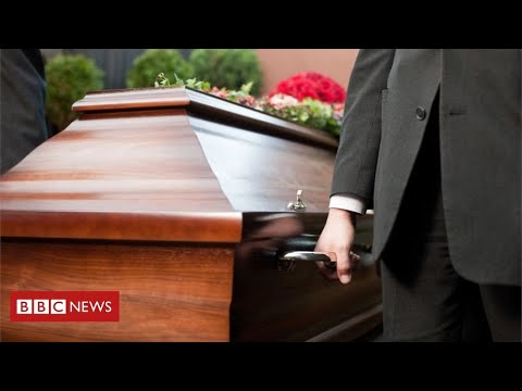 Coronavirus funerals: the cruel impact on families of the dead – BBC News