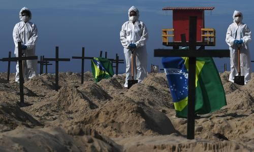 Bolsonaro supporter desecrates Brazil beach memorial for 40,000 coronavirus victims