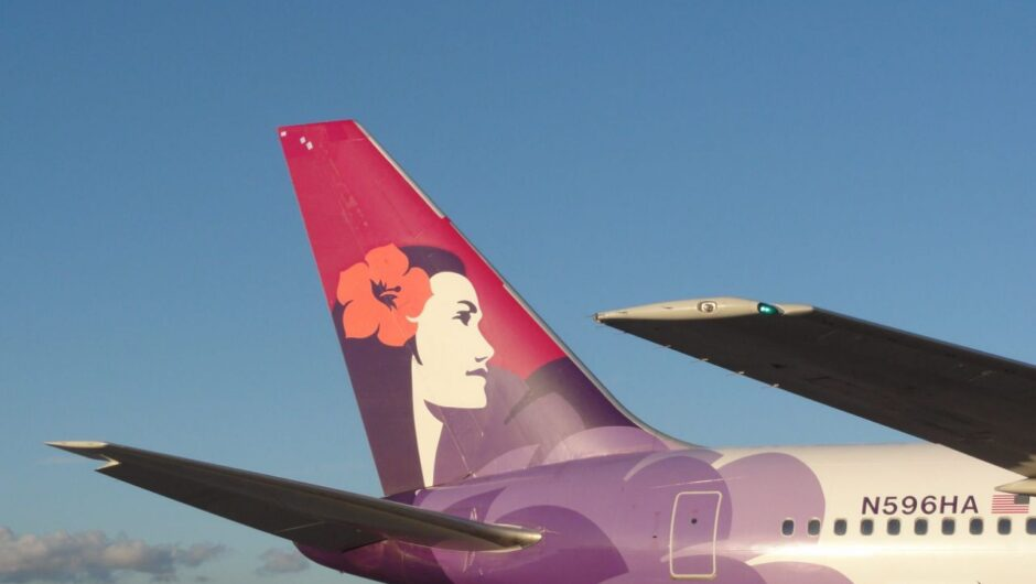 Hawaiian Airlines flight attendant dies after testing positive for COVID-19