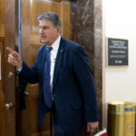 Sen. Manchin defends delaying $1.9T COVID-19 relief package
